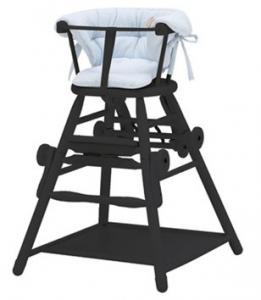 En højstol er også til de mindste (foto traevarer.dk)